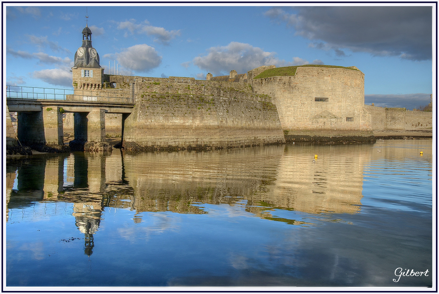 reflet-ville-close-concarneau-finistere